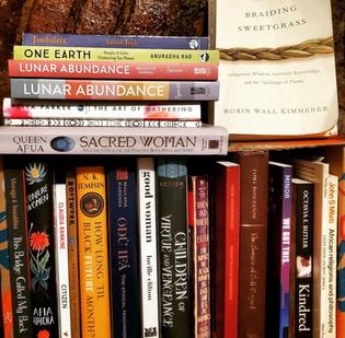 Book shelf fulla good on friends shelf