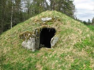 A 4000 year old cist in Sjökullen, Sweden