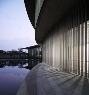 tadao-ando-he-art-museum-china-photography_dezeen_2364_col_0-852x904.jpg
