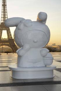 trocadero-paris-hello-kitty-install-dawn-morning-048-1680x2524.jpg