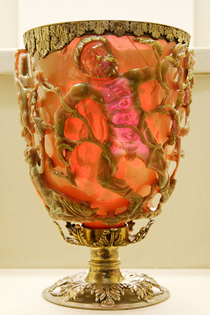 800px-lycurgus_cup_red_bm_mme1958.12-2.1.jpg