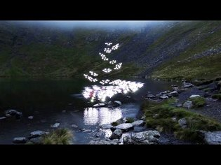 Marconi Union - Weightless (Official Video)