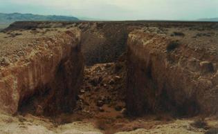 Double Negative, Michael Heizer (1969)