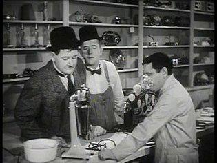 Tit for Tat (B&W) 1935 - Laurel & Hardy