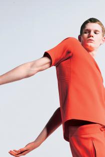 https___hypebeast.com_image_2020_04_descente-allterrain-fusion-knit-activewear-collection-fitness-lookbooks-3.jpg