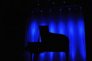 piano_in_the_dark.jpg