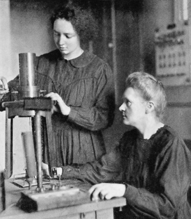 1920px-irene_and_marie_curie_1925.jpg
