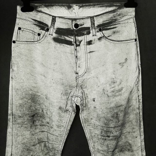 #HELMUTLANG Hommes SS97 Classic jeans in reflective coated nylon. A landmark #vintagehelmutlang design, originally presented in the legendary and ill-fated AW94 collection. The fabric's lustrous surface fades over time in a way similar to raw denim fabric. Part of ENDYMA's #helmutlangarchive