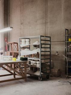 salva-lopez-commissioned-apparatu-ceramics-factory-craft-10.jpg