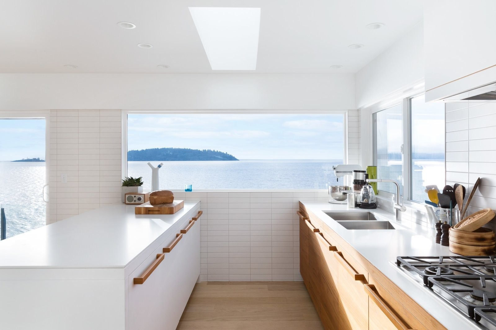 a-young-vancouver-family-asked-falken-reynolds-interiors-to-convert-their-waterfront-vacation-home-on-british-columbias-suns...