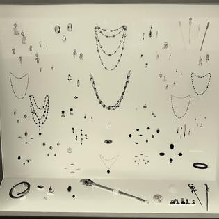 1200px-etruskermuseum_villa_giulia_schnallenschmuck-co_2.jpg