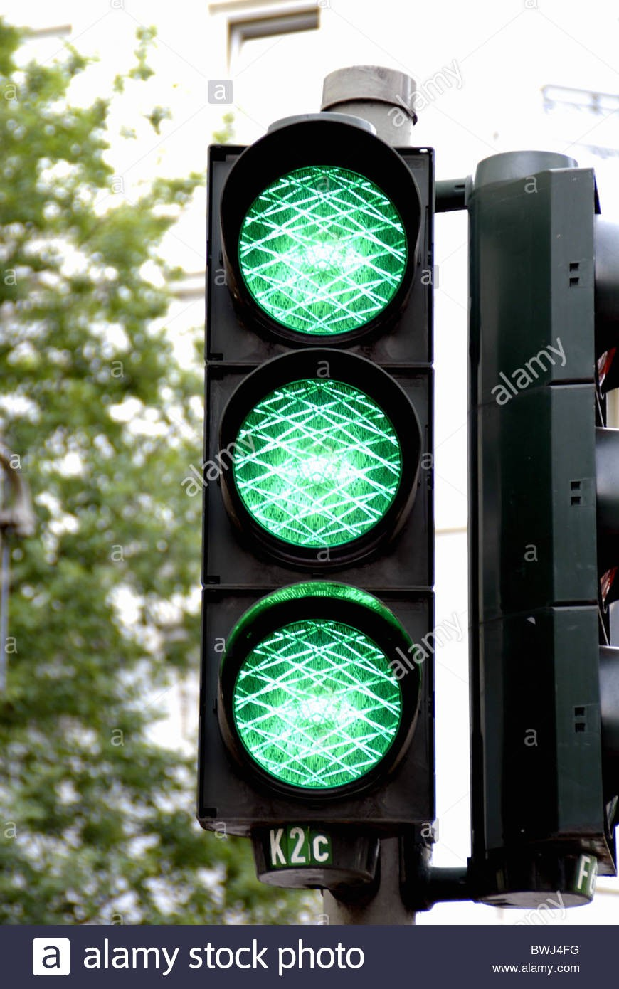 traffic-light-light-signal-green-free-free-journey-drive-bwj4fg.jpg