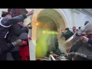 Rioters try to regain entry to Capitol