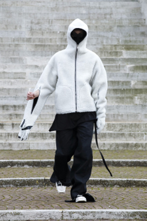 rick-owens-menswear-collection-runway-show-fall-winter-2021-29.jpg?q=90-w=1400-cbr=1-fit=max