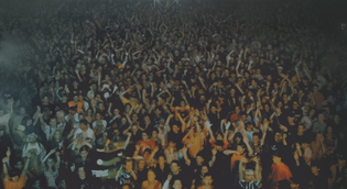 Andreas Gursky, Union Rave, 1995.
