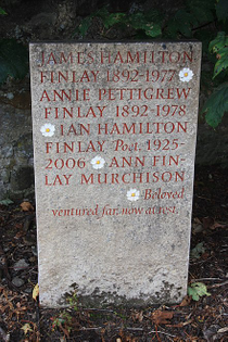 440px-the_grave_of_ian_hamilton_finlay-_abercorn_churchyard.jpg