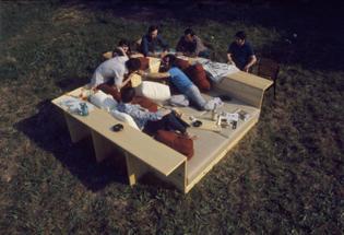 Sillon y mesa de Piero de Martini