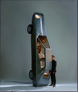 modern_art_car_sculpture.jpg