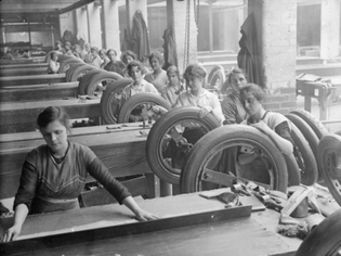 women_at_work_in_a_lancashire_rubber_factory_q28232.jpg