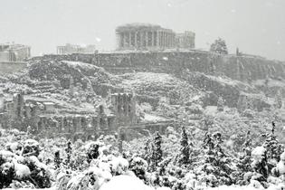 schnee-auf-der-akropolis-winterzauber-in-athen.jpg