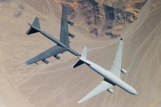 kc-30-b-52.jpg