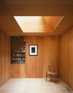 frame-house-by-jonathan-tuckey-design_dezeen_1.jpg