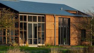 flat-house-uk-practice-architecture-hemp-margent-farm_dezeen_hero-1.jpg