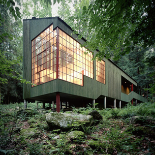 Eric and Ann Bohlin house designed by their son Peter Bohlin in West Cornwall, Connecticut, USA, 1973-75.
