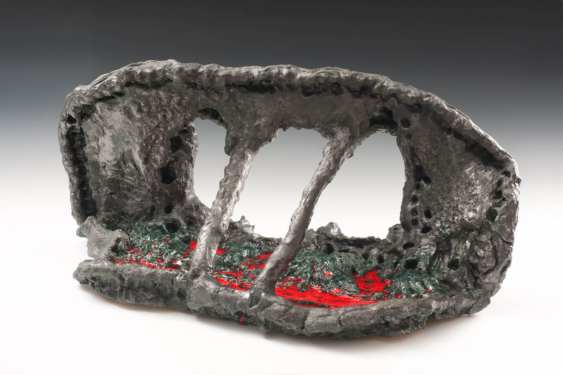 sterling-ruby-drive-thru-pewter-facial-2010.-ceramic.-courtesy-sterling-ruby-studio-and-thomas-h.-lee-and-ann-tenenbaum.-pho...