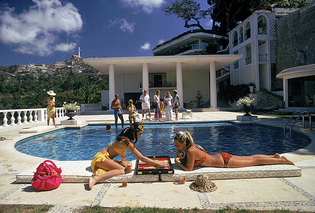 poolside-backgammon-slim-aarons.jpg