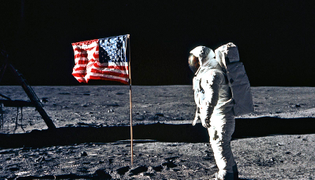 https___www.futurity.org_wp_wp-content_uploads_2019_07_flag-on-the-moon_1600.jpg