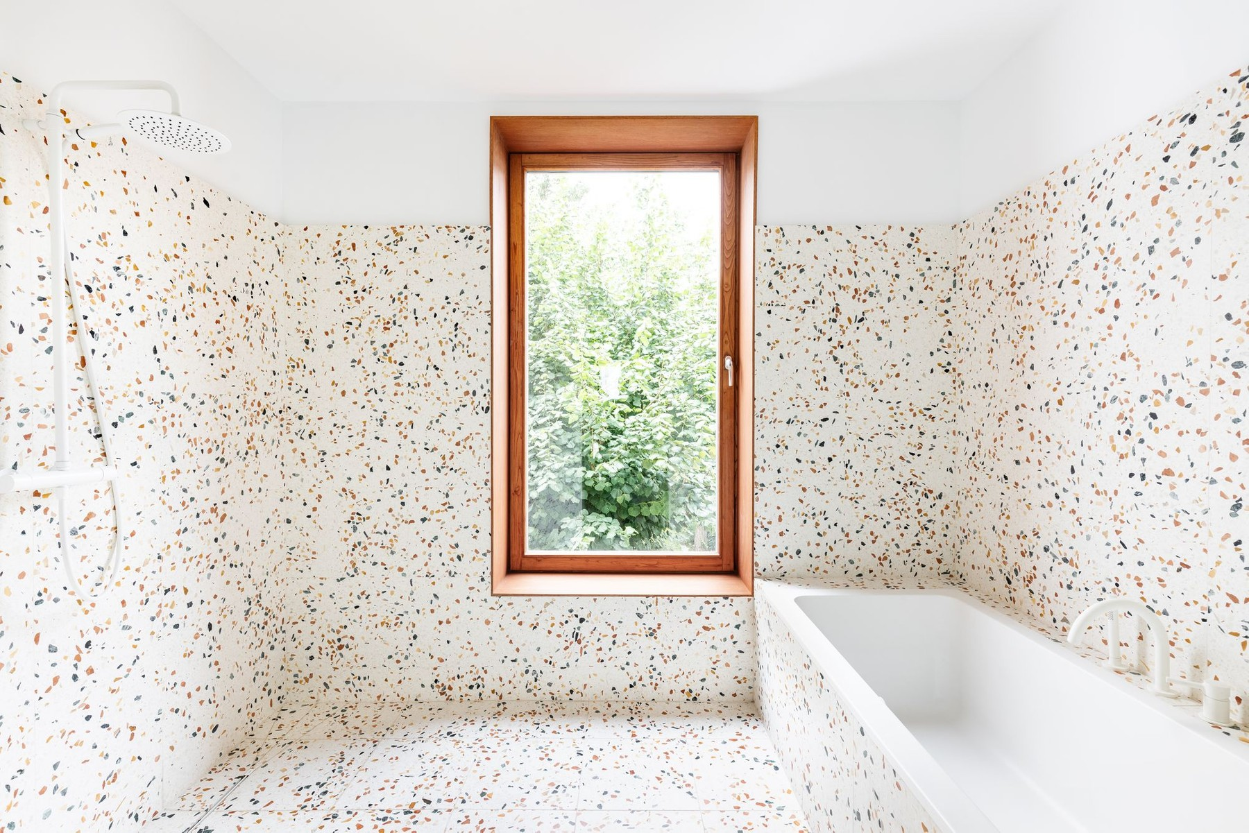 Bathroom in House PDC in Antwerp (designed by B-architecten)