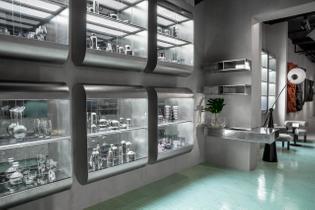camille-paillard-jlk-ds-tom-dixon-design-research-studio-manzoni-restaurant-milan-2019-interior-bespoke-furniture-vitrine-al...