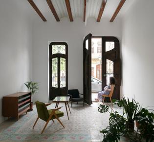 Renovation of two buildings in Valenca, Spain (designed by Lola Bataller and Noelia Falcón)