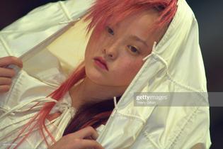 069-chanel-fall-1999-couture-details-devon-aoki.jpg