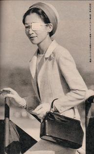 Empress-Michiko-of-Japan-374x613.jpg