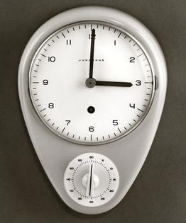 Max-Bill-Junghans-Kitchen-Wall-Clock-1957.jpg