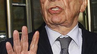 Rupert Murdoch Fingers