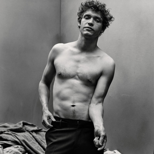 billy-howle-shirtless-interview-2015-photo-shoot-800x800.jpg