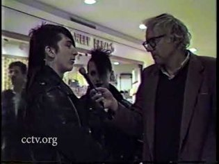 Bernie Sanders Interviews Mall Punks (1988) [FULL]