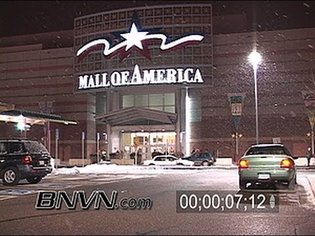 11/30/2005 Snow Storm at the Mall Of America