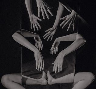 "Katarina Oresanska ""Mirror, mirror, upon thy wall break the spell or become the doll"""