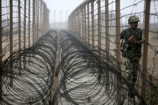 india-pakistan-border.jpg