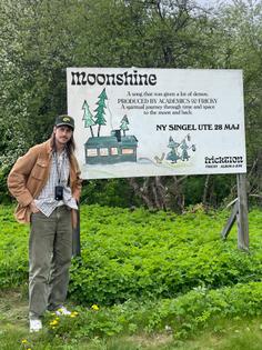 billboard-moonshine-kopiera.jpg