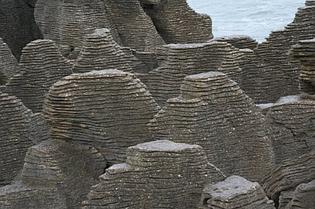 bizarre-rock-formations-05.jpg