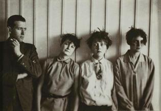 Marcel-Breuer-Marta-Erps-Breuer-Katt-Both-and-Ruth-Hollos-Consem-ller-1927..jpg