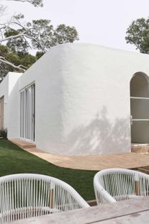 the-cross-project-by-lowi-interiors-cronulla-nsw-australia-image-07-1024x1536.jpg
