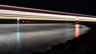 ferry_light_trail-_rostock.jpg