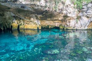 clear-water-in-the-gran-cenote-tulum.jpg