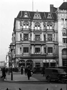 Unter den Linden, 1930s